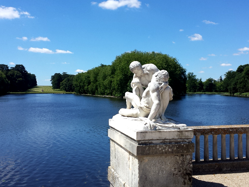 chateau de rambouillet gardens statue wounded lakes