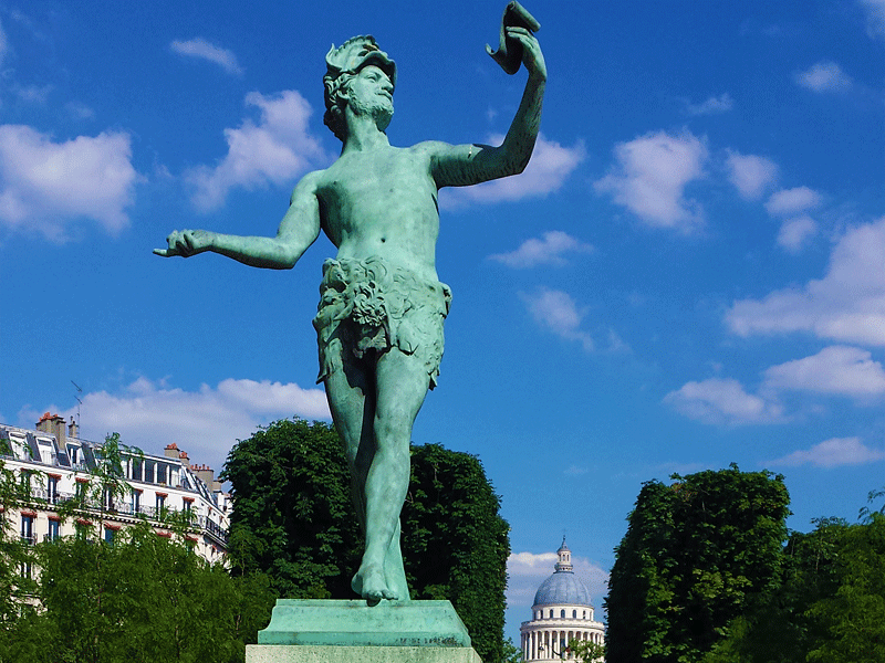 luxembourg gardens statue greek actor